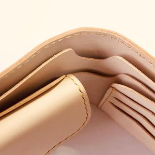 カードケース追加等オーダー可能、名入れ可能 生成りヌメ革の二つ折り財布(折り財布)