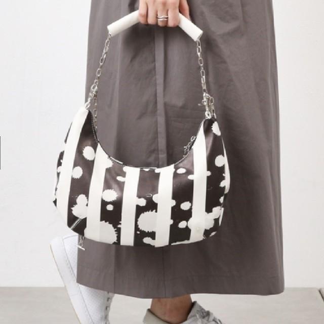 PAPILLONNER(パピヨネ)の新品!タグ付!パピヨネ チェーン ショルダーバッグ 【定価 ¥14,040】 レディースのバッグ(ショルダーバッグ)の商品写真