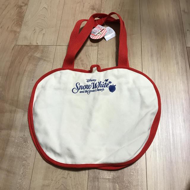 しまむら(シマムラ)の白雪姫 りんご トートバッグ 未使用 レディースのバッグ(トートバッグ)の商品写真