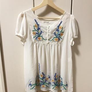 ローリーズファーム(LOWRYS FARM)のローリーズファーム 刺繍ブラウス(シャツ/ブラウス(半袖/袖なし))