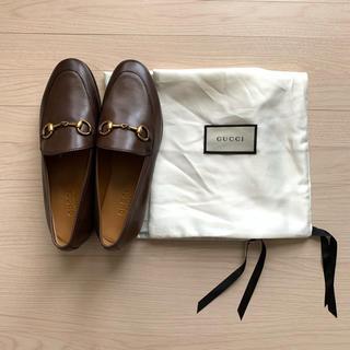 グッチ(Gucci)のGUCCI グッチ ホースビット ローファー ヨルダーン 35(ローファー/革靴)