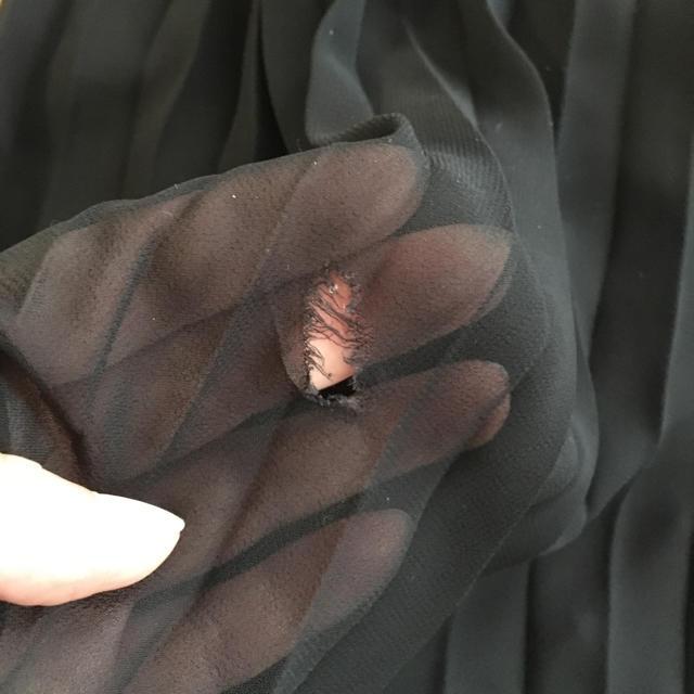 GU(ジーユー)のGU 女の子 プリーツロングスカート 130㎝ キッズ/ベビー/マタニティのキッズ服 女の子用(90cm~)(スカート)の商品写真