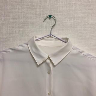 ジーユー(GU)のgu エアリーブラウス 半袖 ホワイト(シャツ/ブラウス(半袖/袖なし))