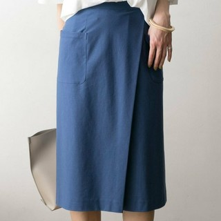 アーバンリサーチ(URBAN RESEARCH)のURBAN RESEARCH カットカルゼタックタイトスカート  (ひざ丈スカート)