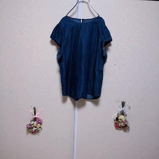 ジーユー(GU)のGU ジーユー デニムシャツブラウス 半袖ブラウス(シャツ/ブラウス(半袖/袖なし))
