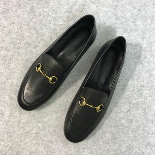 グッチ(Gucci)のGUCCI グッチ  靴/シューズ ローファー レザー パンプス 黒 サイズ37(ローファー/革靴)