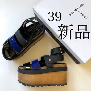 サカイ(sacai)の39 新品 サカイ × ピエール アルディ プラットホーム サンダル.(サンダル)