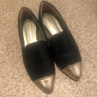 アルファベットアルファベット(Alphabet's Alphabet)のフラットシューズ(ローファー/革靴)