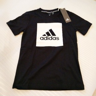 adidas - 【新品】アディダス Tシャツ 140