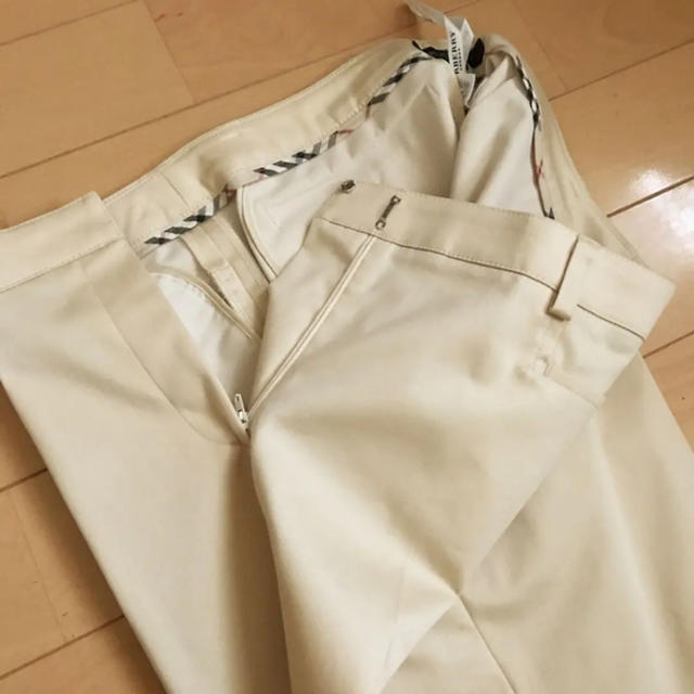BURBERRY(バーバリー)の(送料無料)BURBERRYパンツスーツ レディースのフォーマル/ドレス(スーツ)の商品写真