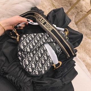Dior ショルダーバッグ 人気 ハンドバッグ