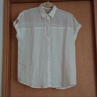 ジーユー(GU)のM☆GU 半袖シャツ ブラウス(シャツ/ブラウス(半袖/袖なし))