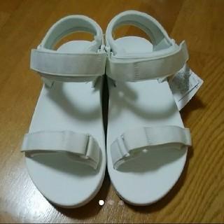 ユニクロ(UNIQLO)の【新品タグ付き】ユニクロ スポーツサンダル スポーティサンダル サンダル 靴(サンダル)