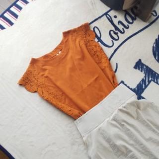 シマムラ(しまむら)の完売刺繍カットソー(カットソー(半袖/袖なし))