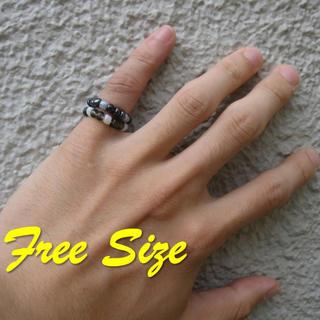 Free Size ! ブラックビーズリング(リング(指輪))