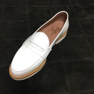 ディエゴベリーニ(DIEGO BELLINI)のDIEGO BELLINI   ディエゴ ベリーニ 白 エナメル(ローファー/革靴)