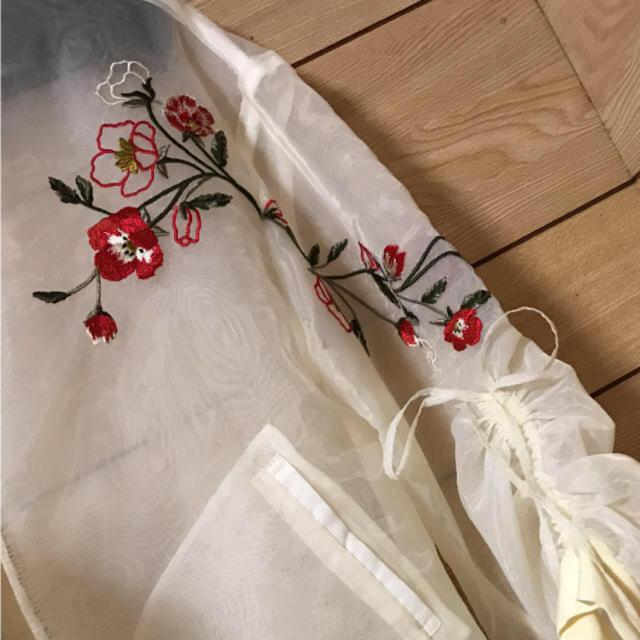 Lily Brown(リリーブラウン)のLily Brown 刺繍シースルーブルゾン レディースのジャケット/アウター(ブルゾン)の商品写真