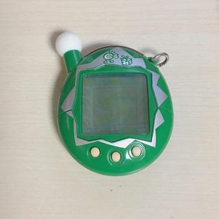 バンダイ(BANDAI)のたまごっち エンたま クリスマスバージョン グリーン(携帯用ゲーム本体)