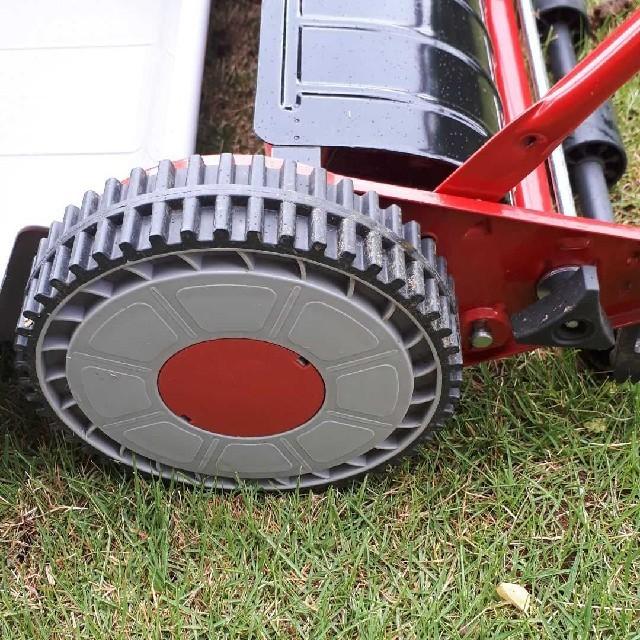 山善(ヤマゼン)のソラソラ様専用 手動芝刈り機 KKM-300 その他のその他(その他)の商品写真