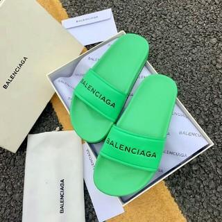 バレンシアガ(Balenciaga)の人気  新モデル Balenciaga  サンダル(サンダル)