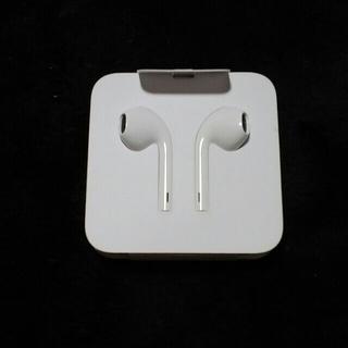 アイフォーン(iPhone)のiPhone イヤホン 正規品(ヘッドフォン/イヤフォン)