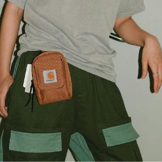 カーハート(carhartt)の  CARHARTT Essentials bagショルダーバッグ(ショルダーバッグ)