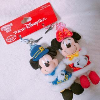 ディズニー(Disney)の《新品希少品》クリスマスウィッシュ2012ミッキーミニーペアストラップ(キャラクターグッズ)