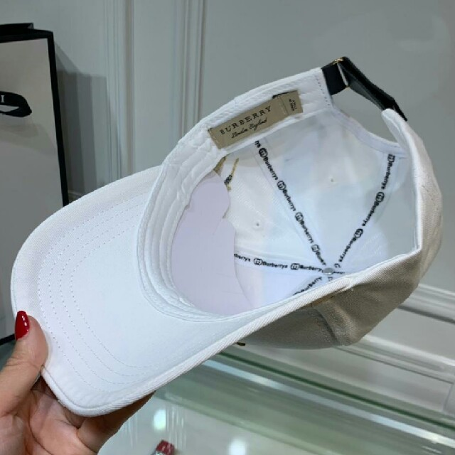 BURBERRY(バーバリー)のBURBERRY  バーバリー キャップ 美品 男女通用  メンズの帽子(キャップ)の商品写真