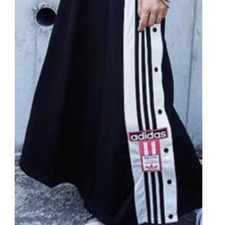 adidas  スカート新品タグ付き