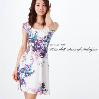 ビーシービージーマックスアズリア(BCBGMAXAZRIA)のBlue shell fan flower dress s (ひざ丈ワンピース)