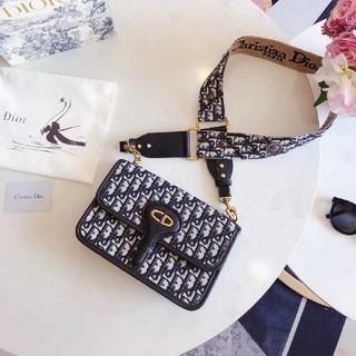 ディオール(Dior)の新品  Dior  ディオール  ショルダーバッグ  レディース(ショルダーバッグ)