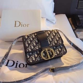 ディオール(Dior)のDior ショルダーバッグ (ショルダーバッグ)