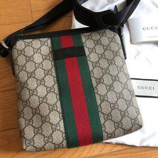 Gucci - GUCCI グッチ フラット メッセンジャーバッグ ショルダーバック