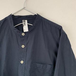 MARGARET HOWELL - 古着 MARGARET HOWELL スタンドカラー シャツ ネイビー