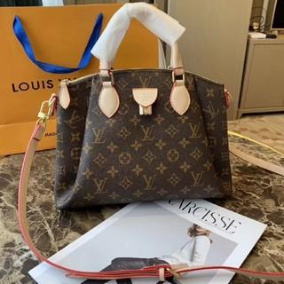 LOUIS VUITTON - LouisVuittonハンドバッグ