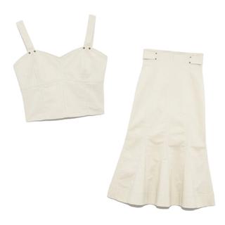リリーブラウン(Lily Brown)の新品タグ付き lily brown デザインステッチビスチェ&スカート ベージュ(セット/コーデ)