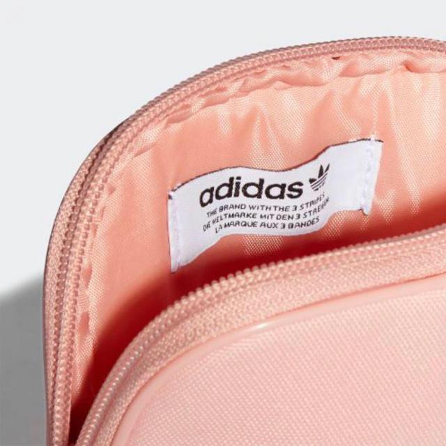 adidas(アディダス)の⭐️COCOヤン様専用ページ⭐️ レディースのバッグ(ショルダーバッグ)の商品写真