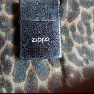 ジッポー(ZIPPO)の送料無料!ジッポライター、シルバーブラック。(タバコグッズ)