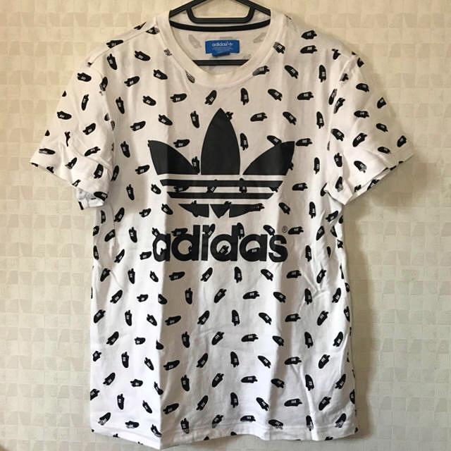 adidas(アディダス)のadidas originals スニーカー柄Tシャツ メンズのトップス(Tシャツ/カットソー(半袖/袖なし))の商品写真