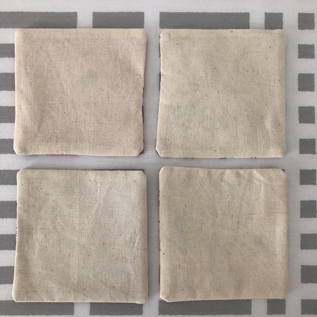 marimekko(マリメッコ)のマリメッコ  イッタラフルッタ  リバティ ハンドメイド コースター ハンドメイドの生活雑貨(キッチン小物)の商品写真