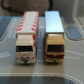 BANDAI - (106)トラック 2台