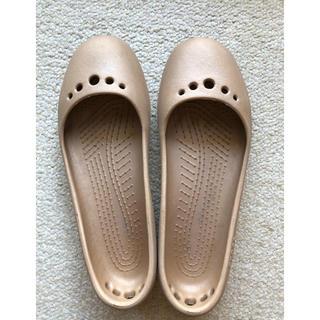 クロックス(crocs)のクロックス バレエシューズ crocs 6 ゴールド レインサンダル クロックス(サンダル)