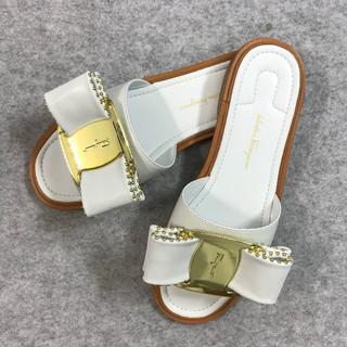 サルヴァトーレフェラガモ 靴/シューズ サンダル 38