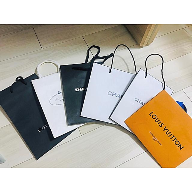 CHANEL(シャネル)のブランド 紙袋 ショッパー レディースのバッグ(ショップ袋)の商品写真