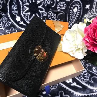 LOUIS VUITTON - ❤美品❤ ルイヴィトン マヒナ  ブラック 二つ折り長財布