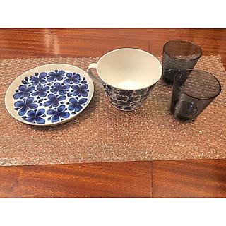 イッタラ(iittala)の【未使用】モナミカップ、ソーサー、イッタラカルティオレイン2個(グラス/カップ)