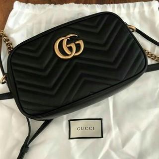 Gucci - GUCCI 大人気商品マーモント レザー ショルダーバッグ ミニ  ブラック