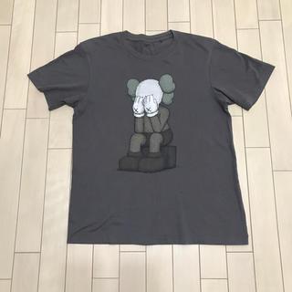 UNIQLO - ユニクロ  KAWS コラボ Tシャツ 初期 グレー M