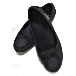クロックス(crocs)のクロックス crocs レディース フラットシューズ ローファー W8 ❤️(ローファー/革靴)