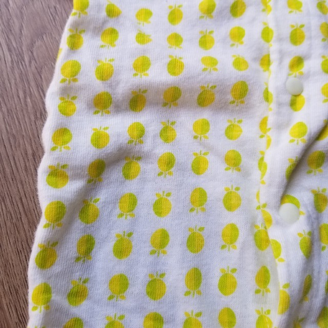 BREEZE(ブリーズ)の<BREEZE>ブリーズ ゆず柄カバーオール ロンパース USED 75cm キッズ/ベビー/マタニティのベビー服(~85cm)(カバーオール)の商品写真